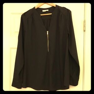 Calvin Klein blouse. L. Gold accents.